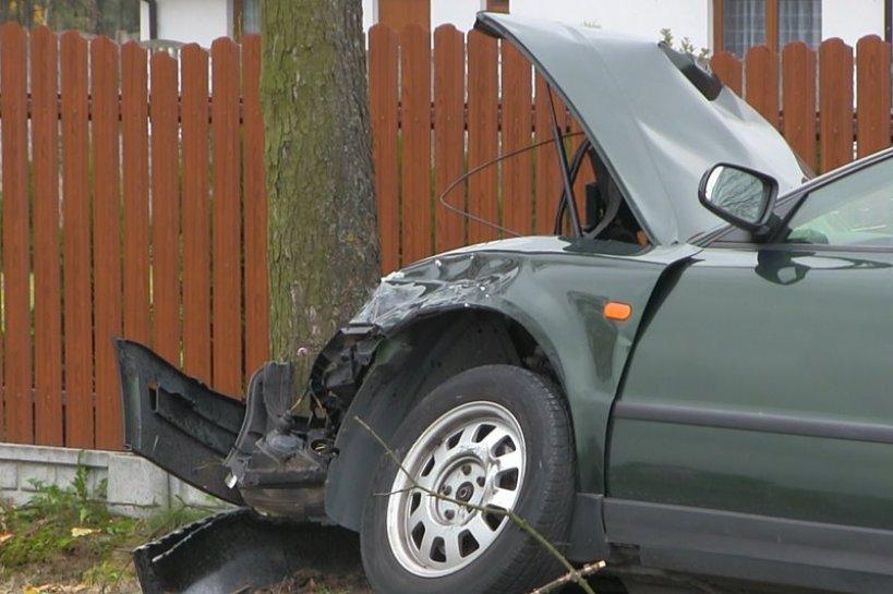 Kotwasice: Pasażerka Passata zmarła w szpitalu. To druga ofiara śmiertelna wtorkowego wypadku