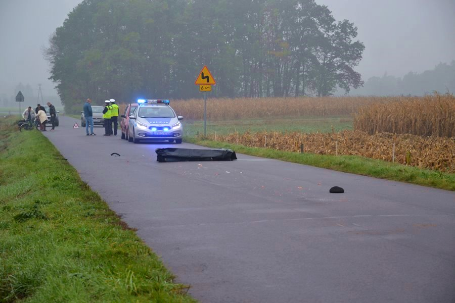 Brudzew: Śmiertelne potrącenie pieszego. Policja szuka kierowcy Astry II