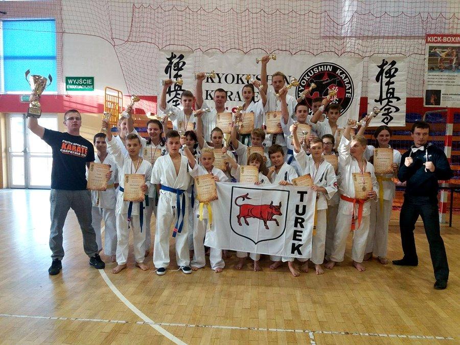 18 medali dla karateków z naszego powiatu