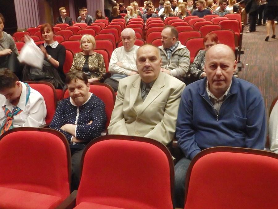 Mieszkańcy DPS w Skęczniewie zawitali do teatru