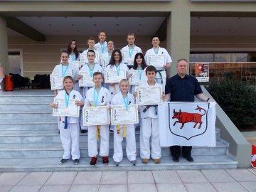 Komplet medali dla turkowskiej drużyny karateków