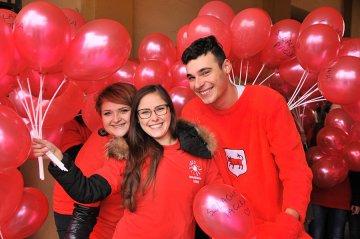 Wideo: Wolontariusze świętują 10-lecie swojego...