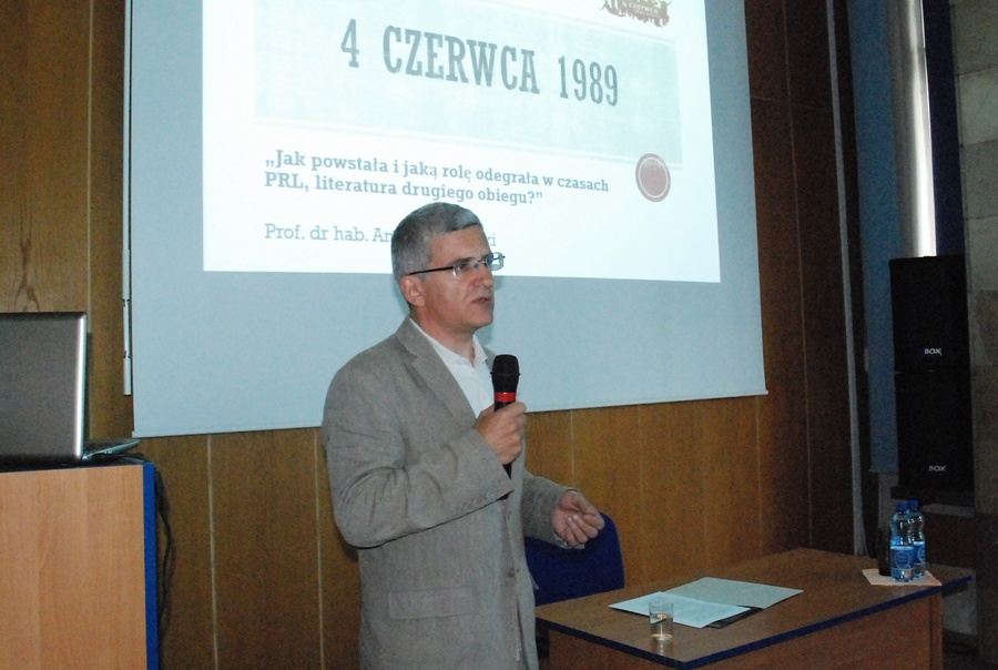 Już dziś: Debata o historii i polityce z profesorem Piaseckim - foto: MA