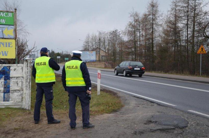 Kierowcy dostali 107 mandatów, a oddali 5 praw jazdy i 28 dowodów rejestracyjnych  - foto: www.turek.policja.gov.pl