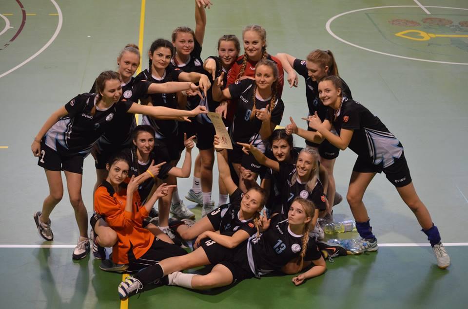 Piłkarki ręczne I LO w Turku w Finałach Mistrzostw Wielkopolski