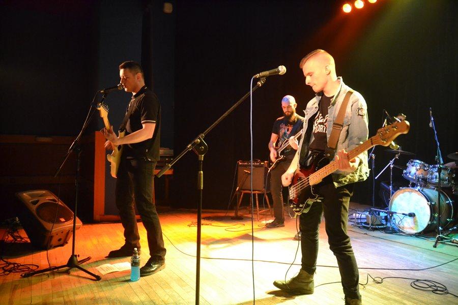 W MDKu bawili się przy rockowych kawałkach - Foto: G. Oblizajek