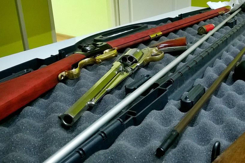 O broni palnej z Karolem Nowackim