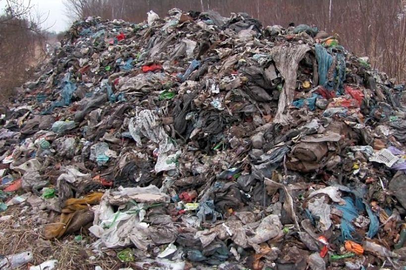 Piorunów: Właściciel śmieci się odnalazł. Przyznał się, teraz posprząta