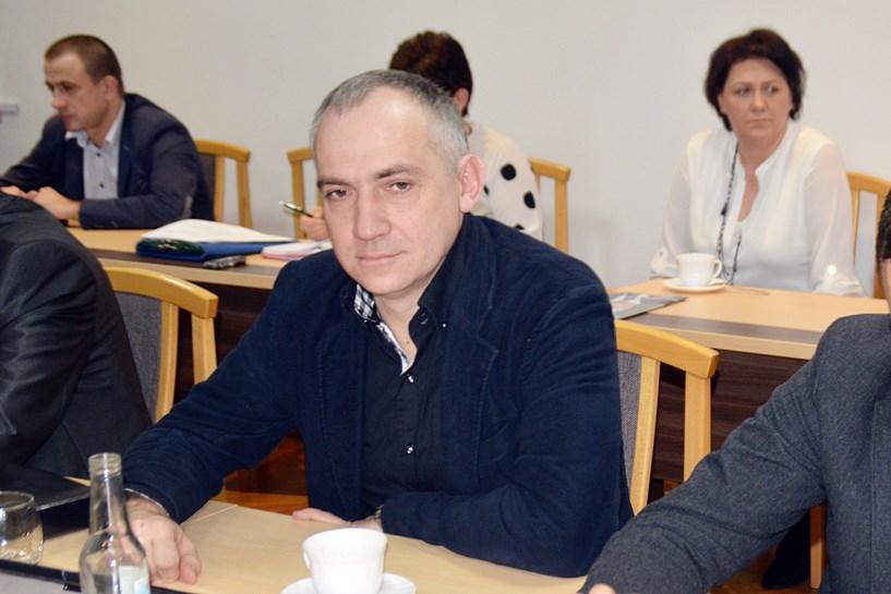 Gm. Turek: Szwagier w gumowcach czyli błotny problem mieszkańców