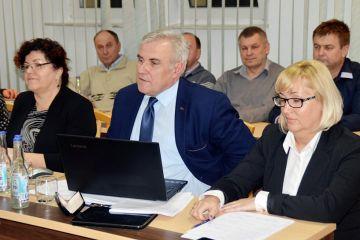 Gm.Turek: Działka z boiskiem będzie już gminna. Powiat przekazuje grunt