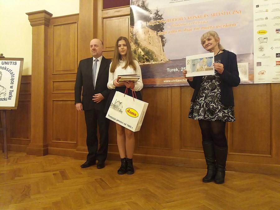 Uczennice ZS-P w Dobrej laureatkami edycji fotograficznej  Międzynarodowego Konkursu Artystycznego