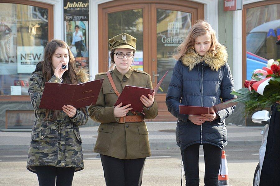 Gimnazjum nr 2 prowadzi miejskie obchody Narodowego Dnia Pamięci