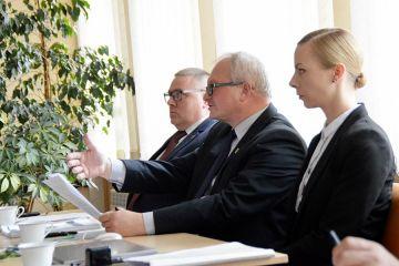Malanów: Były sekretarz Adamek triumfuje, ale do Urzędu Gminy nie wróci
