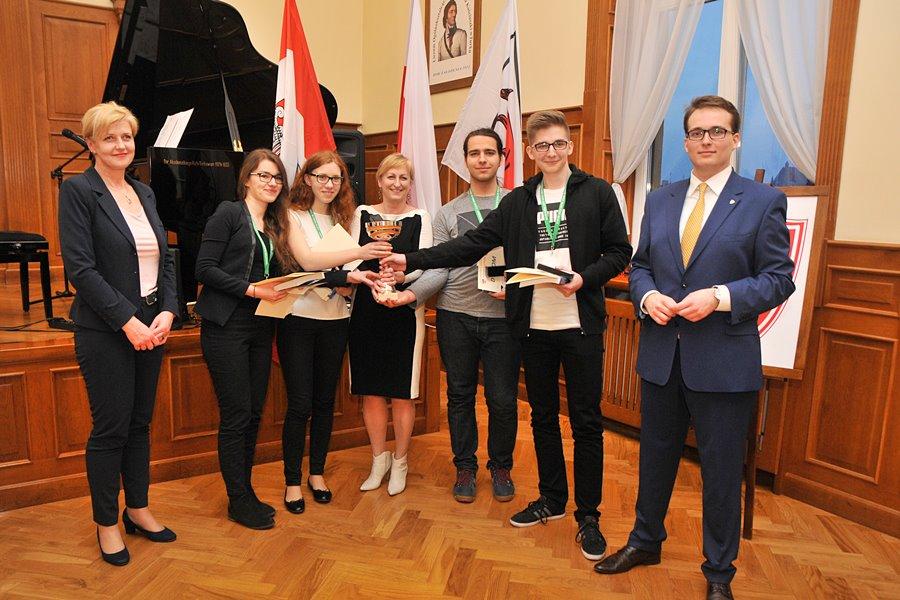 Młodzież z Koła liczy po mistrzowsku! Turkowskie LO na II miejscu - foto: M. Derucki