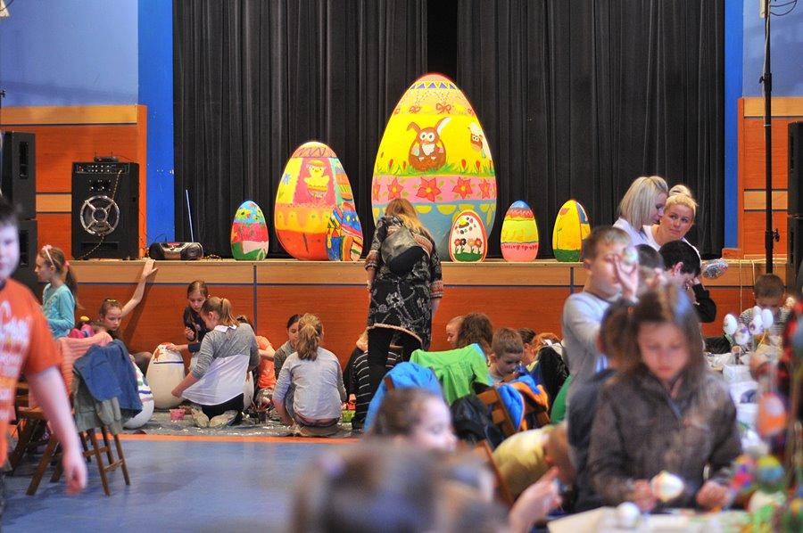 Warsztaty z wielkim jajem - foto: M. Derucki