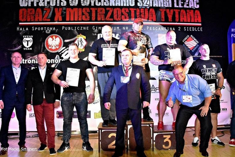 Konrad Fornalczyk zwyciężył w Siedlcach. Znów pokazał tytaniczną siłę - foto: Maciej Sztajnert
