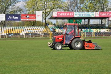 Płyta boiska na Stadionie 1000-lecia gotowa na wiosenną rundę - foto: M. Derucki