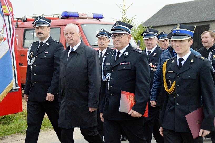 Przykona: 25-lecie OSP Gąsin i Gminno-Parafialny Dzień Strażaka - foto: Arkadiusz Wszędybył