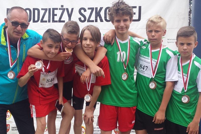 Piątka na podium Mistrzostw Wielkopolski w Drużynowych Biegach Przełajowych