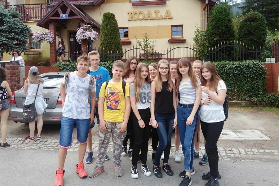 Uczniowie z G2 na zielonej szkole w Kotlinie Jeleniogórskiej