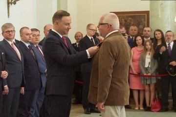 Wideo: Prezydent RP odznaczył Ryszarda...