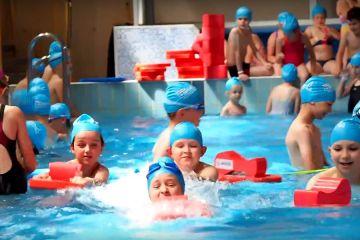 Wideo: Pływacki Festiwal Kinder+ Sport na...