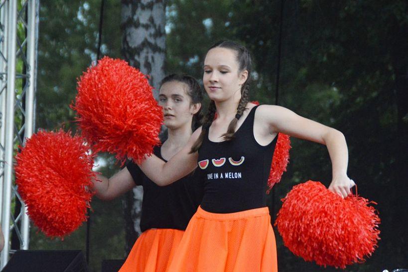 Władysławów: Wsparli 6-letnią Kingę, uczestnicząc w charytatywnym pikniku - foto: Arkadiusz Wszędybył