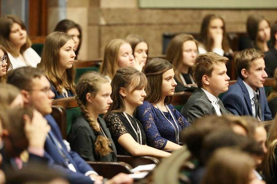 Sejmowa przygoda gimnazjalistów z