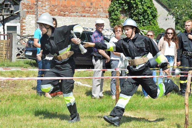 Piekary: Strażacy OSP Żeronice zostali Mistrzami Gminy Dobra - foto: Arkadiusz Wszędybył
