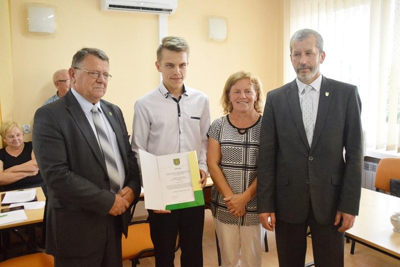 Malanów: Stypendium dla Szymona Stefaniaka - foto: Arkadiusz Wszędybył