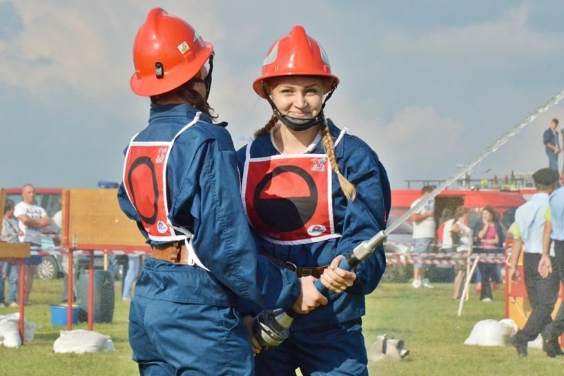 Będziechów: Dominacja OSP Głuchów. Zdobyli zestaw pucharów i złote medale   - foto: Arkadiusz Wszędybył