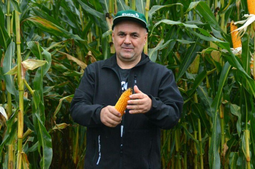 Głuchów: Rolnicy podziwiali kukurydzę i nowoczesne maszyny - foto: Arkadiusz Wszędybył