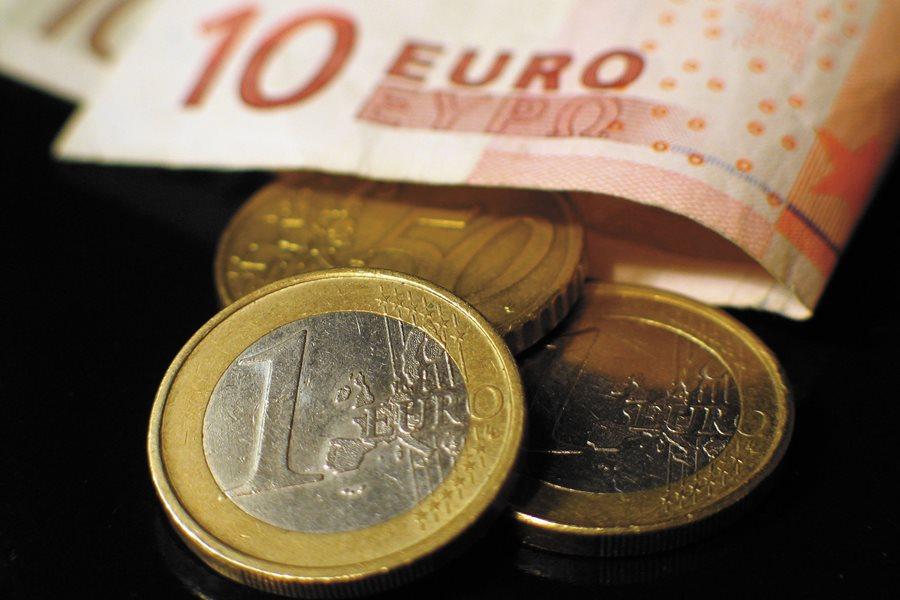 Kontrahent spóźnia się z płatnościam? Dłużnicy ponoszą koszty odzyskania należności - foto: freeimages.com /  Carlos Paes