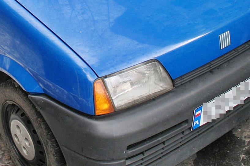 Głuchów: Pijany 60-latek jechał Cinquecento. Jazdę zakończył kolizją - foto: wikipedia.org / Lukas 3z
