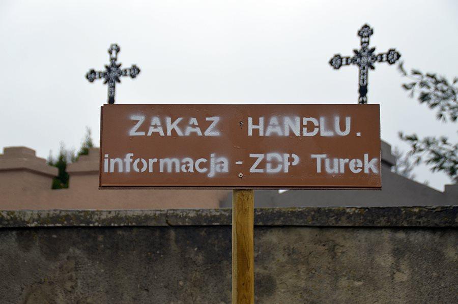 Zakaz handlu przy cmentarzach? To nie wina PGKiM