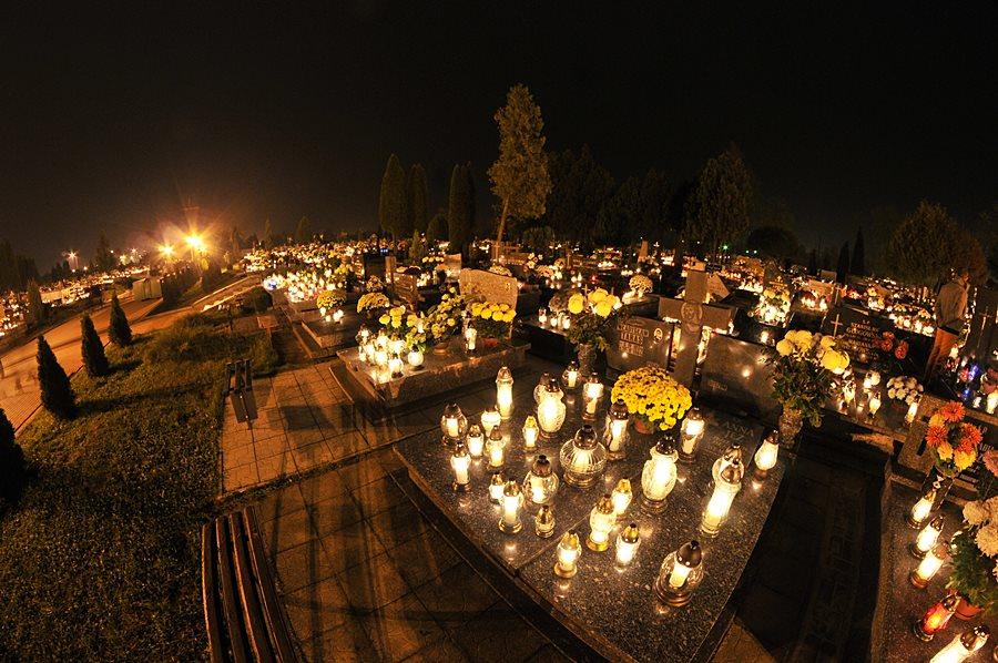 Turkowianie hojniejsi niż rok temu. Kwesta na cmentarzach zakończona - foto: M. Derucki