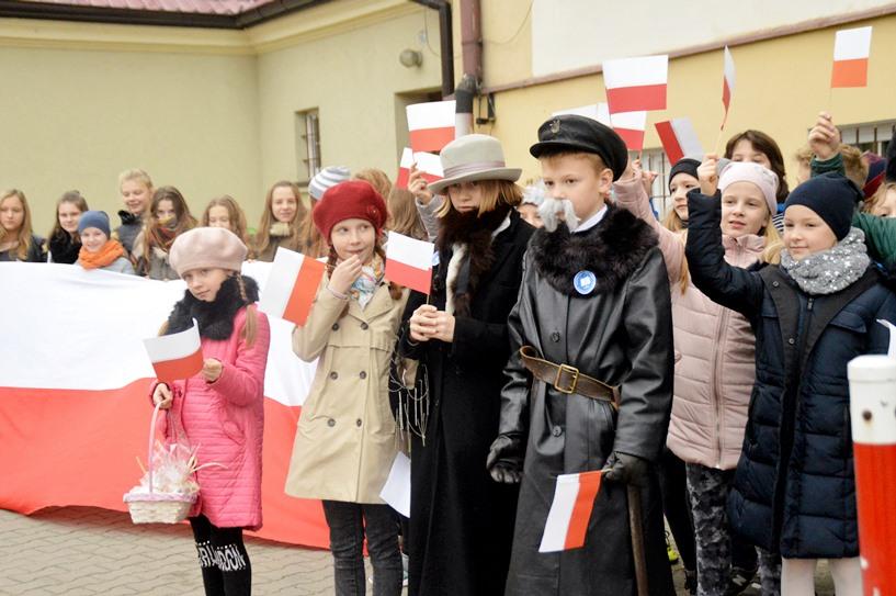Piłsudski zwiedzał Turek z żoną i córkami - foto: Arkadiusz Wszędybył