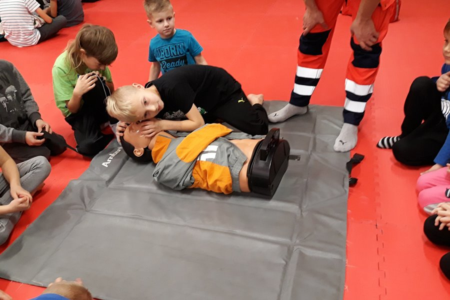 Judocy ćwiczyli pierwszą pomoc