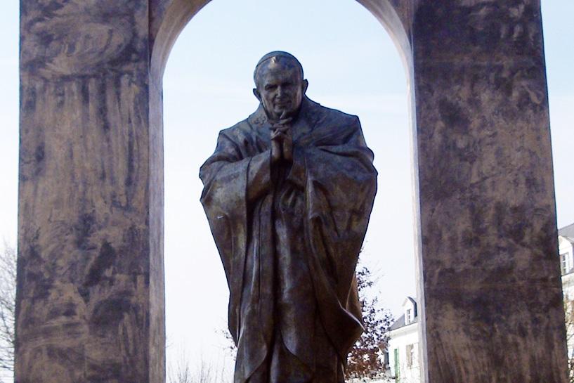 Władysławów: Chcą francuskiego pomnika Jana Pawła II. Czaja popiera jego sprowadzanie  - foto: chisloup / wikipedia.org