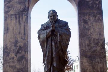 Władysławów: Chcą francuskiego pomnika Jana...