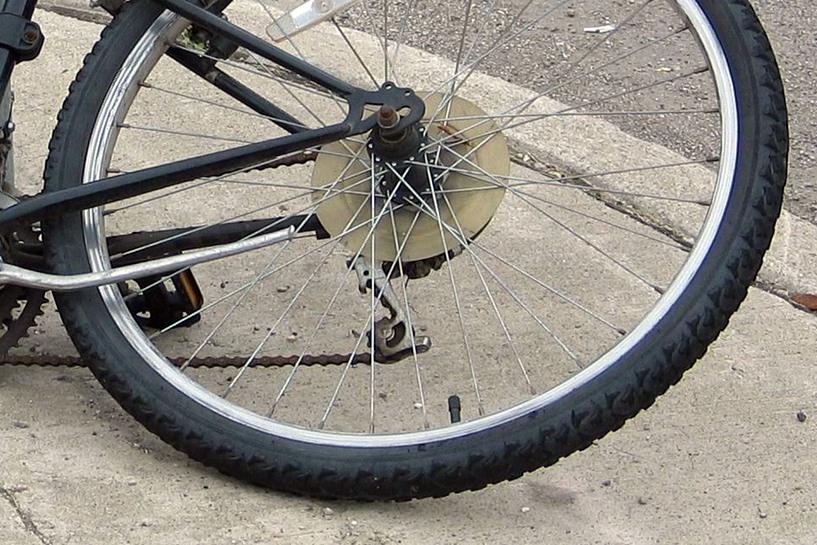 Międzylesie: Pijany 39-latek potrącił rowerzystę Citroenem - foto: freeimages.com / DD