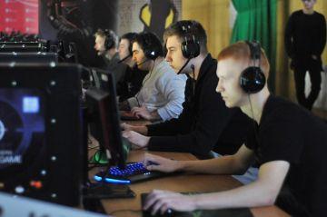 Turek: Wracają turnieje w FIFĘ i CS