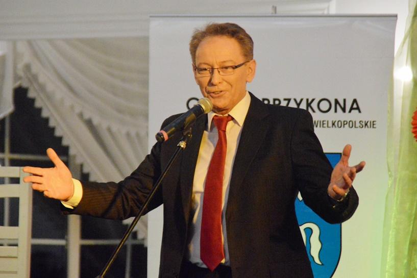 Przykona: Dzień Kobiet z Jackiem Borkowskim i kabaretową improwizacją - foto: Arkadiusz Wszędybył