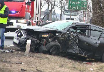 Wideo: Zderzenie Seata z ciężarówką w Grzymiszewie