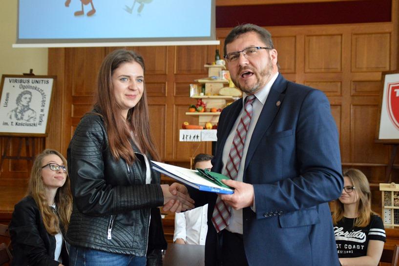 Powiatowy Konkurs Wiedzy o Zdrowiu w I LO zweryfikował wiedzę nastolatków  - foto: Arkadiusz Wszędybył
