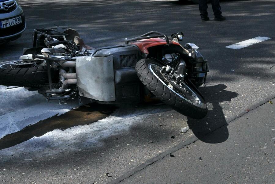 Mikulice: Motocyklista stracił życie. Mężczyzna wjechał w busa