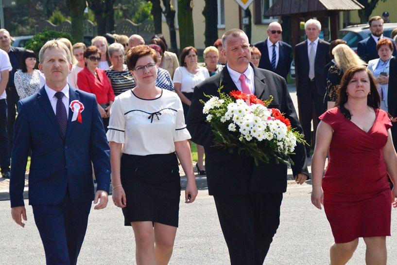 Brudzew: 3 Maja ze Stonką i VI Lekcją Śpiewania Pieśni Patriotycznych - foto: Arkadiusz Wszędybył
