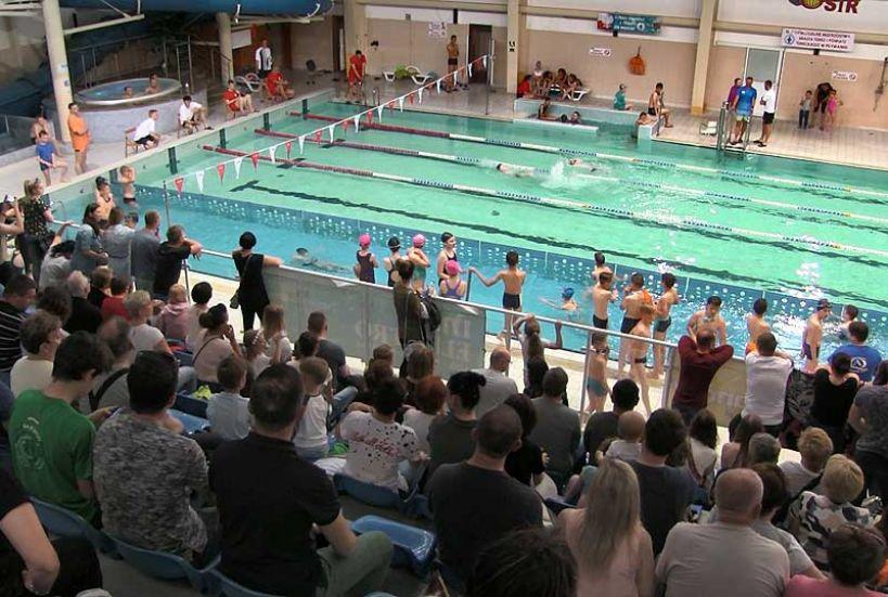 Wideo: III Indywidualne Mistrzostwa Miasta Turku i Powiatu Tureckiego w Pływaniu