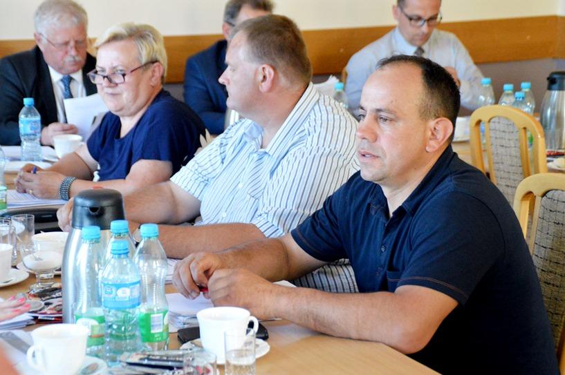 Brudzew: Spór o ul. Leśną i Piaski. Radni Synenko i Ciemniewski mieli odmienne wizje
