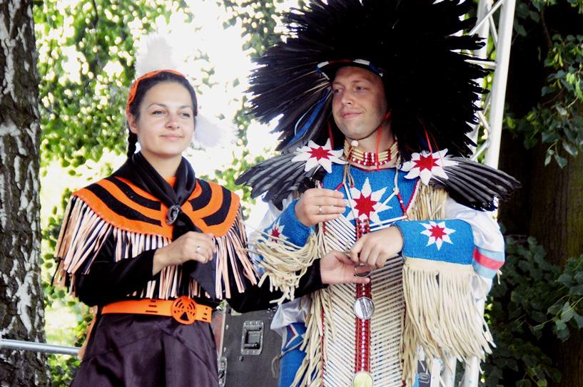 Władysławów: Gminny Dzień Dziecka z indianami i wojami - foto: Arkadiusz Wszędybył